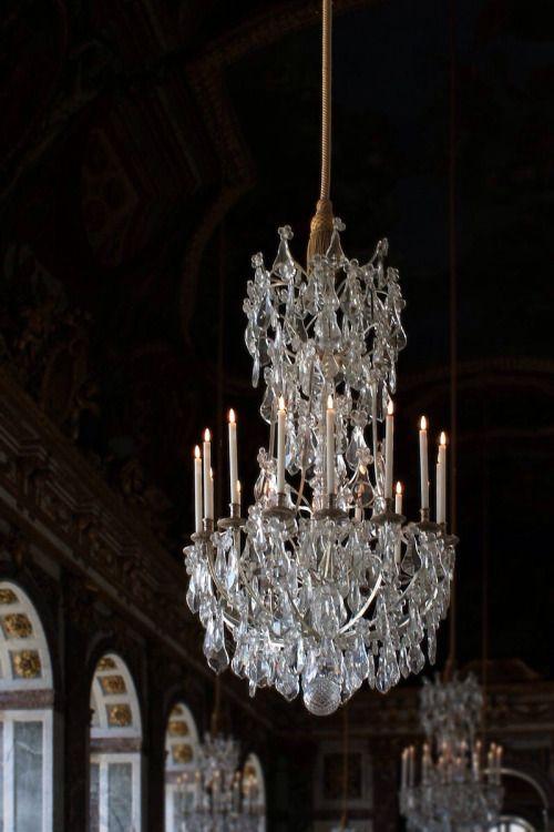 """Château de Versailles, galerie des glaces, lustre Reference :Coyau, Wikipedia """""""