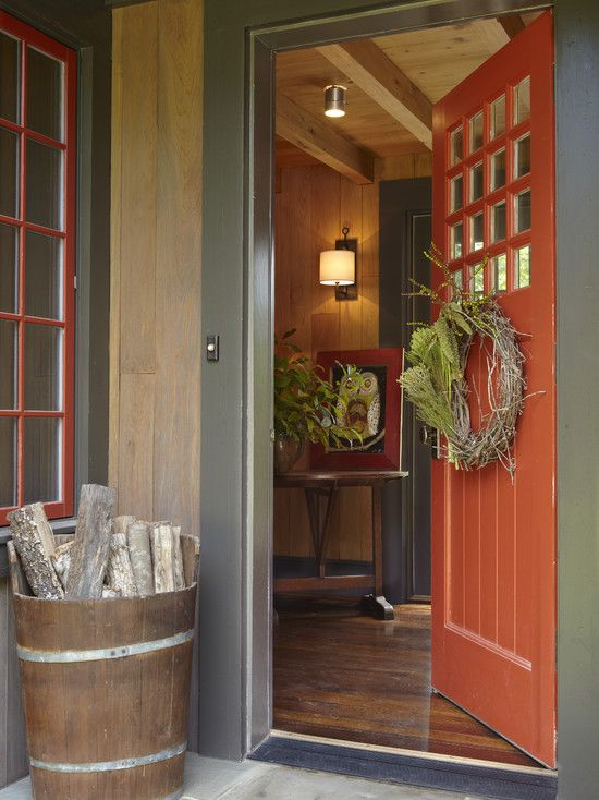 Cute Overall Front Door/Porch Area. Wreath and Color = Cute.