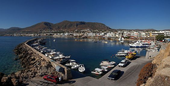 800px-Panorama of the Port of Hersonisos