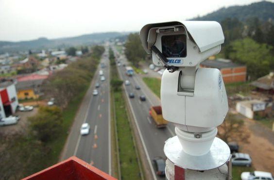 EPTC planeja multar usando câmeras de monitoramento +http://brml.co/1QTcBSy
