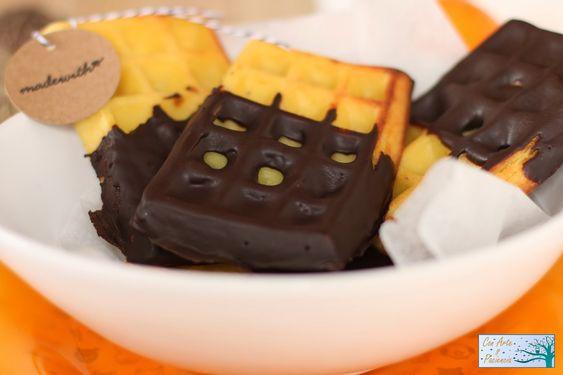 Gofres de naranja recubiertos de chocolate