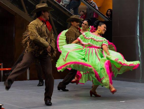Nuevo León, Ballet Folclórico Nacional de México, SILVIA LOZANO