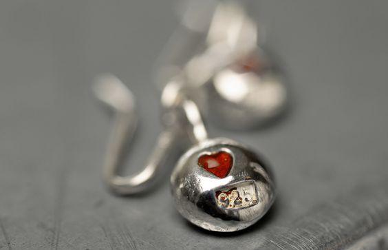 """""""red heart earring"""""""