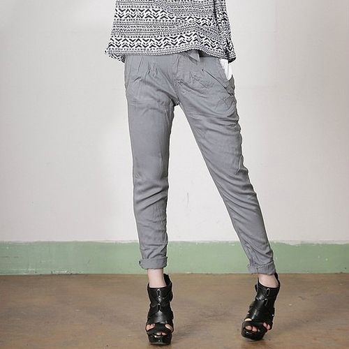 Autumn Grey Pleats Pockets Mid Waist Casual Pants only $41.99 at http://www.wendybox.com/goods-4857-Autumn+Grey+Pleats+Pockets+Mid+Waist+Casual+Pants+.html