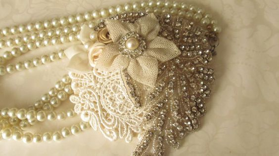 Hey, I found this really awesome Etsy listing at https://www.etsy.com/listing/102161621/vintage-inspired-bridal-hat-mini-bridal