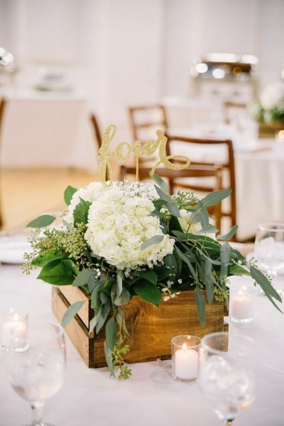 Classic Wedding Centerpiece Wooden Box With White Flowers And Greenery Kish Eve Wooden Wedding Centerpieces Boxes Wedding Decor Classic Wedding Centerpieces