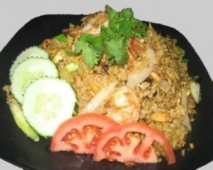 Combination Fried Rice :Pork, beef, chicken, shrimp, egg, onions, and tomatoes  from Mai Thai Restaurant in Fountain Valley #Food #Chicken #Rice forked.com