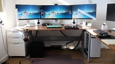Reddit Battlestations My Extra Wide Triple Screen Setup 8560x1440 Home Office Layouts Pc Desk Computer Desk Setup