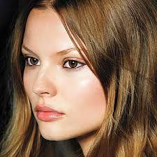 Glowing Skin-Simple Make Up..