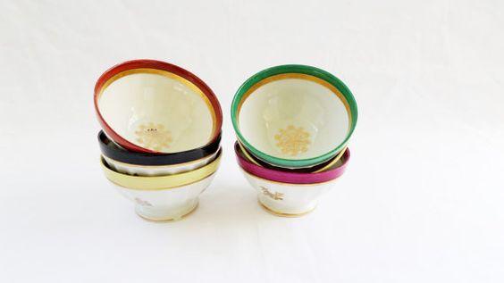 3 cafe au lait bowls bone china Tiny flowers par VintageFindsFrance