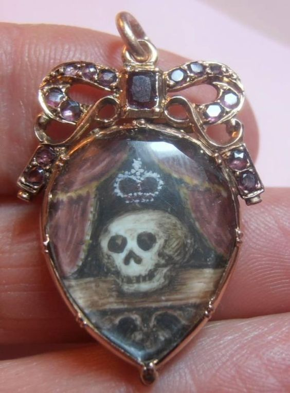Rare Gold Garnet Stewart Crystal Memento Mori Crowned Skull Hair Back