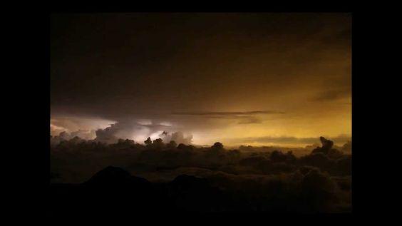2013 0810 台南上空積雨雲閃電縮時 李正紀 攝