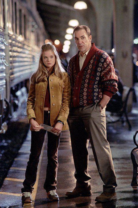 Still of Mandy Patinkin and Ellen Muth in Dead Like Me (2003)