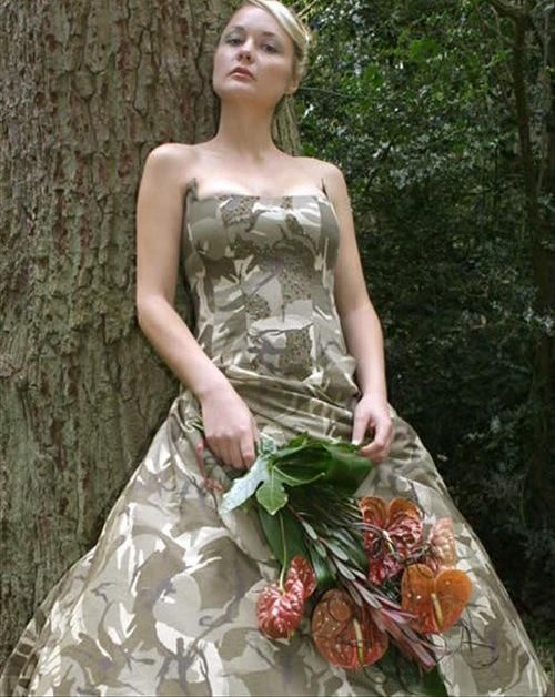 10 Of The Most Insane Wedding Dresses That Will Make You Laugh - bemethis