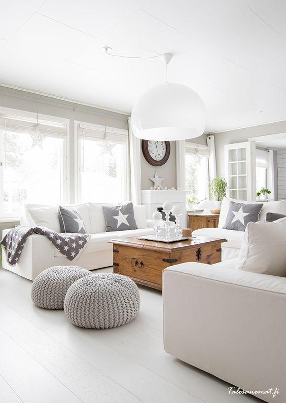 White and grey living room via Talosanomat.