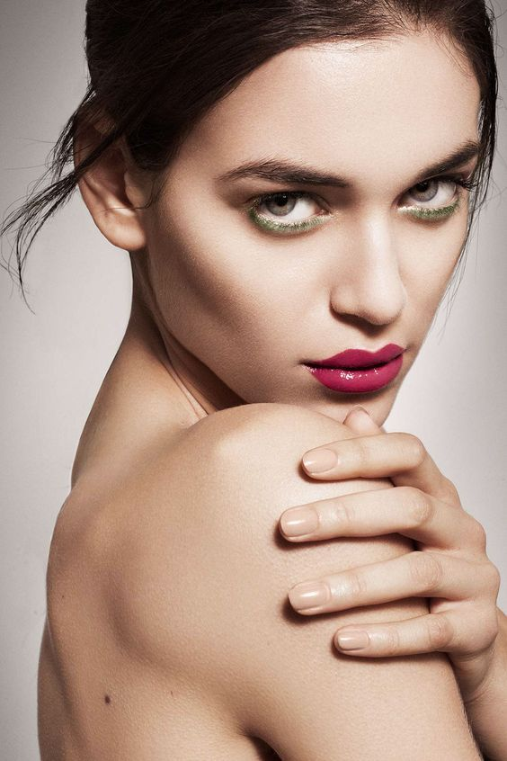 How To Keep Your Dry Hands From Going Full On Crypt Keeper In 2020 Beauty Portrait Beauty Shots Beauty Photography