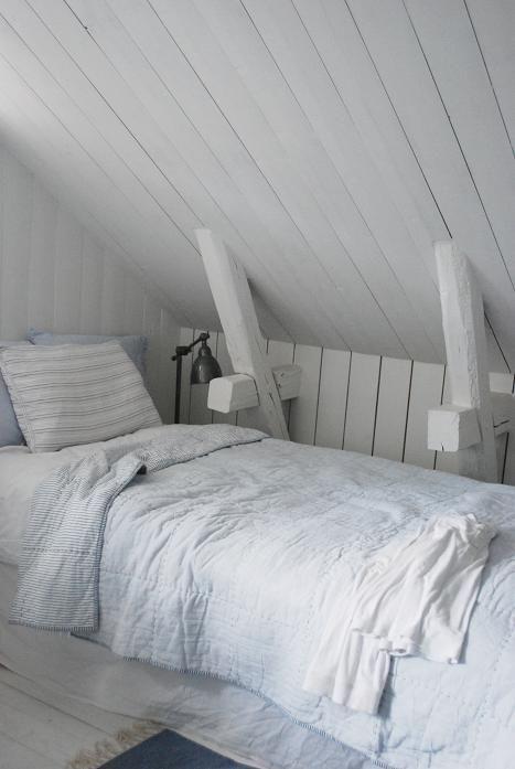 attic bedroom, cozy!