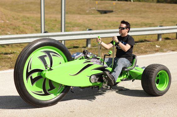 Green 3-wheeler machine