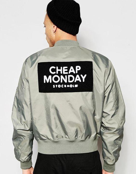 Cheap Monday - Rank - Grüne Bomberjacke aus Nylon mit Logo-Aufnäher hinten - Absent Grün