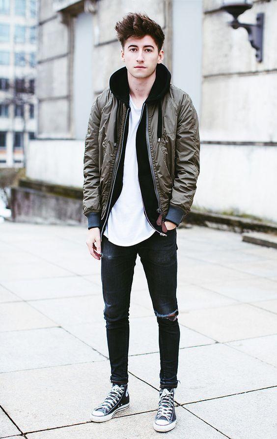 Nếu bạn cần sự đơn giản hơn thì chỉ việc khoác thêm bên ngoài một chiếc áo khoác jacket nam như vậy là đủ