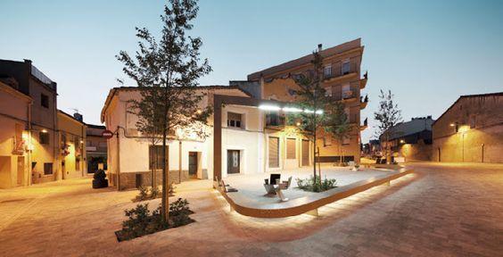 Franc Fernández, Fina Frontado | Urbanización Plaça d'en Clos, Ripollet | HIC Arquitectura