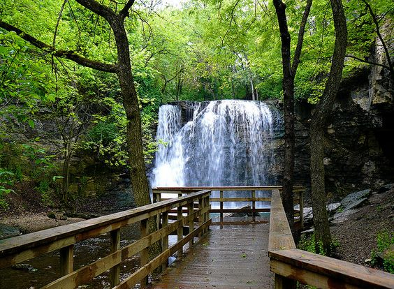 Beautiful Hayden Falls & Boardwalk near Dublin, Ohio