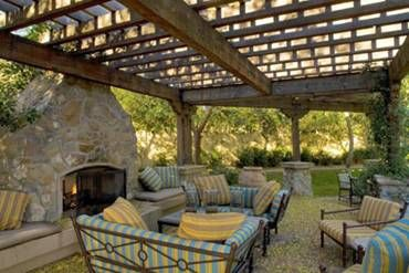 Outdoor patio / fireplace...