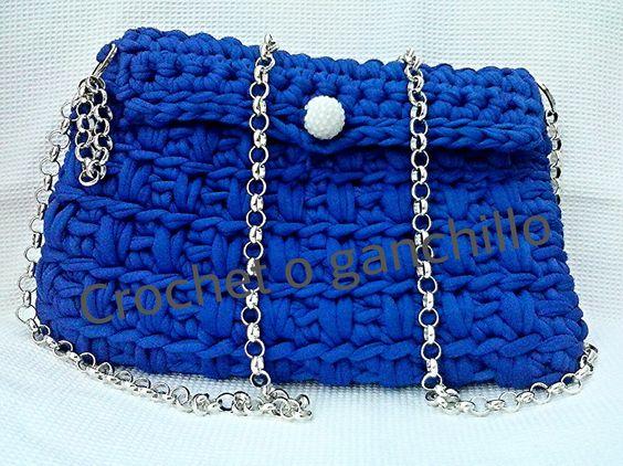 Bolso trapillo azul con cadena a crochet ganchillo uncinetto realizado por Crochet o ganchillo