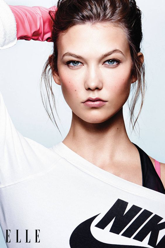 Karlie Kloss Fashion Shoot - Karlie Kloss Interview on Social Media - Elle