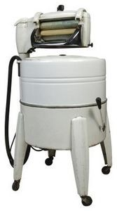 1950S Kitchen Appliances | Washing Machines Of The Early 1950s Had An  Attached Wringer For .