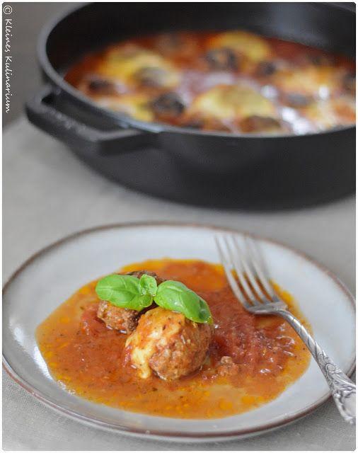 Kleines Kulinarium: Würzige Hackbällchen in Tomatensauce