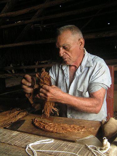 Cigar roller / http://www.cigarsonlinetoday.com/cigar-roller-3/