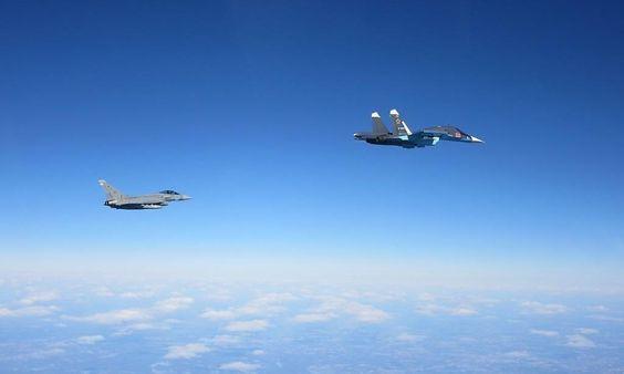Fotodokumente: Nato-Jets fangen Russen über Ostsee ab « DiePresse.com