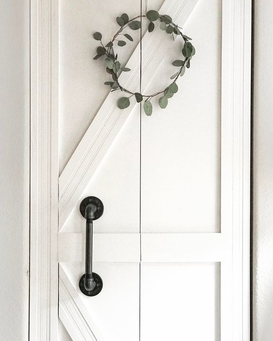 Foyer Closet Door From Plain Bifold To Diy Barn Farmhouse Style Closet Door Makeover Diy Barn Door Barn Door Closet