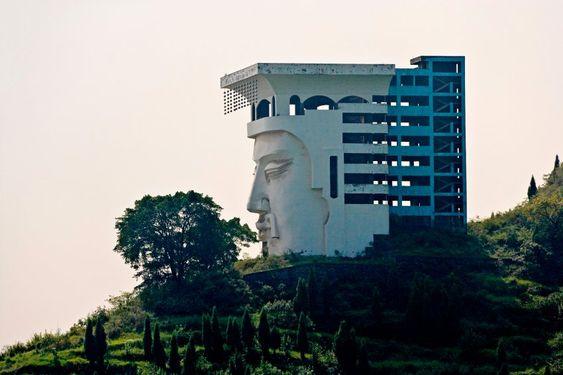 Die Geisterstadt von Fengdu verdankt ihren Namen dem spirituellen Charakter des...