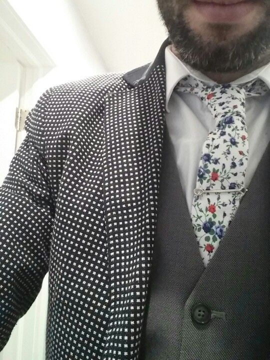 Texture all the way! #florals #mensstyle #fashion #mensfashion