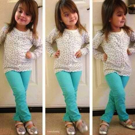 cute toddler girl outfit. love those colored skinnies with the ...