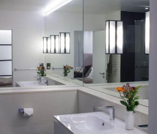 Oversized Mirror In Tiny Bathroom Minimalist Bathroom Mirror Wall Bathroom Bathroom Mirror Design