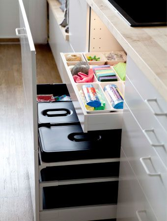 Add bins with handles to deep drawers for a neat way to store - ikea küche hängeschrank