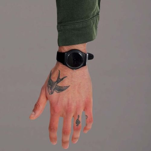 Ohhhh a boy with ink on his hands is a deadly mix for me for Swallow hand tattoo