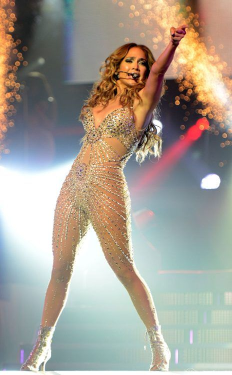 Danceparent101.com Best age to start dancing - Jennifer Lopez began dance classes age 5.