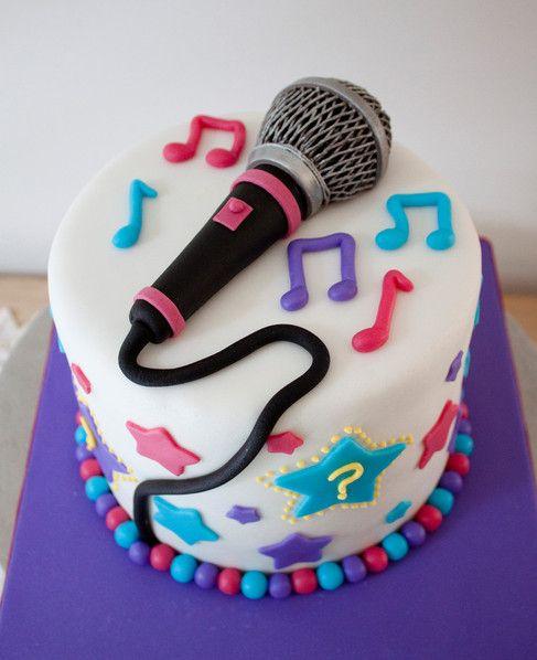 Karaoke Night - María Andrée Couture Cakes