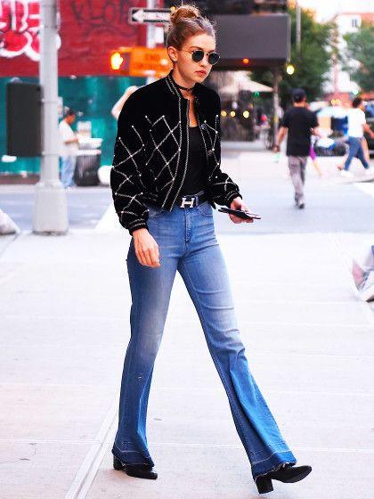 Und was tragen wir über Bluse, Top und Co.. Das weiß natürlich unser Lieblings-FashiongirlGigi Hadid: Kurze Bomberjacken passen super zu hoch…