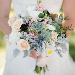 10 gorgeous bouquets (part 1). Image by Ashleigh Jayne Photography.