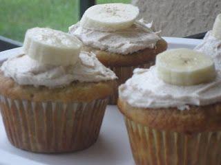 Banana Cupcakes with Honey Cinnamon Frosting