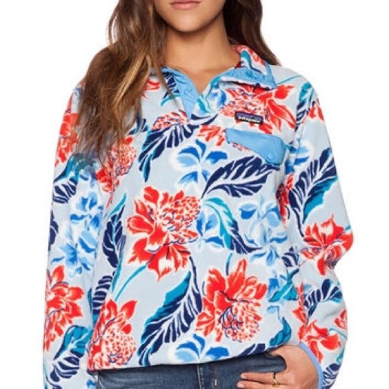 Women's Floral Patagonia Only worn once, perfect condition Patagonia Tops Sweatshirts & Hoodies