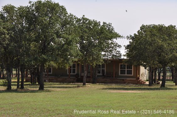 Home with acreage for sale in Northern Hill Country
