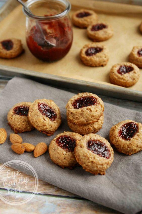 Raspberry thumbprint cookies, Thumbprint cookies and Cookies vegan on ...