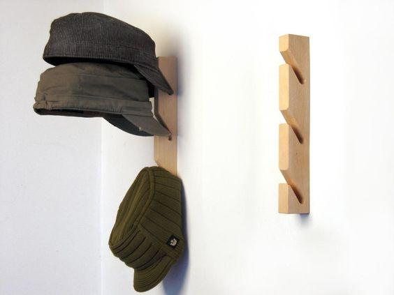 Para colgar las gorras