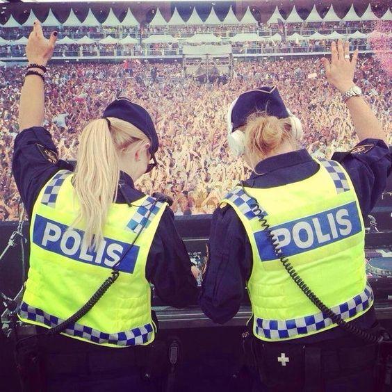 20 απίστευτες φωτογραφίες αστυνομικών που έγραψαν ιστορία